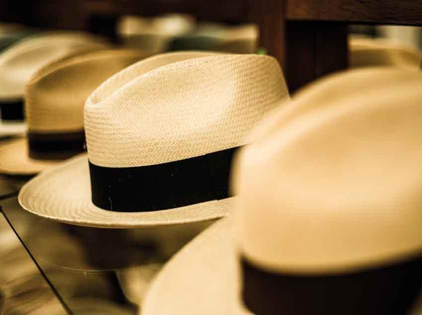 Panama Hat - La fábrica de sombreros de Paja Toquilla en Cuenca ... 8eceb9f0057